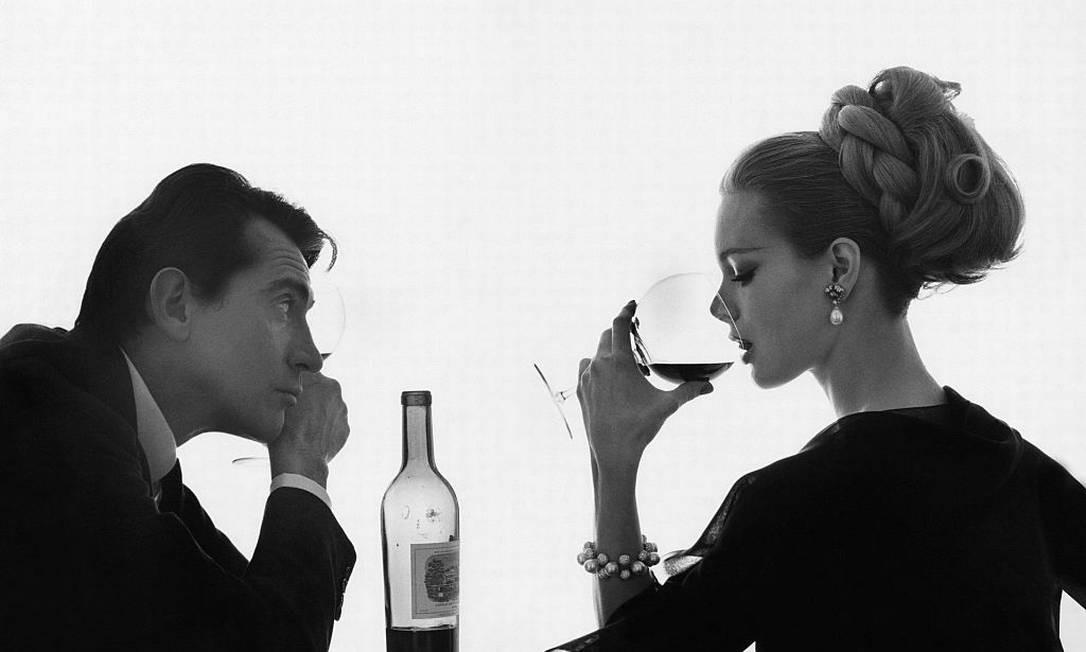 A modelo Monique Chevalier e o ator Walter Chiari, para a Vogue Foto: Bert Stern / Conde Nast via Getty Images