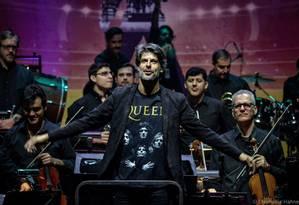 Felipe Prazeres e a Orquestra Petrobras Sinfônica no concerto Bohemian Rhapsody, no Allianz Parque Foto: Stephanie Hahne / Divulgação