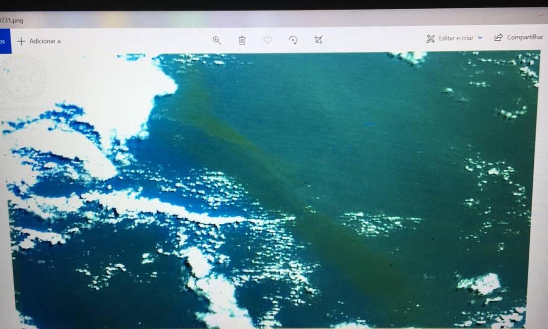 Imagem da mancha de óleo original no mar Foto: HEX Tecnologia Geoespacial
