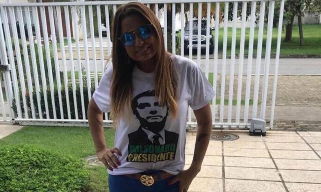Nas redes sociais, a promotora Carmen Elisa Bastos se mostrou eleitora de Bolsonaro Foto: Reprodução