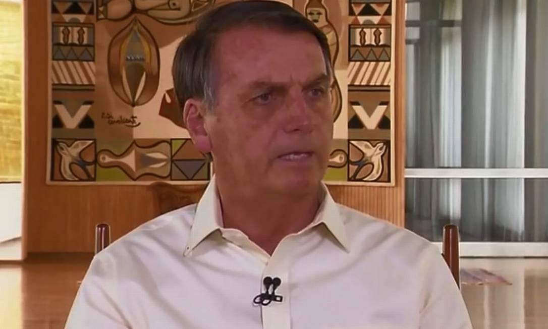O presidente Jair Bolsonaro em entrevista à Record TV Foto: Reprodução / TV Globo