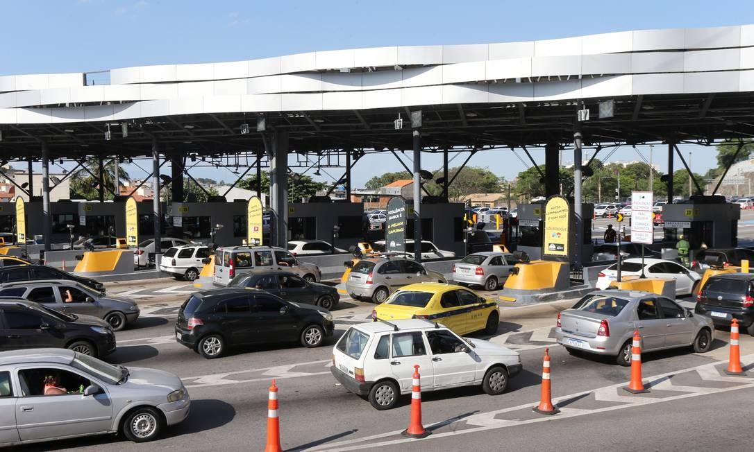 Cobrança do pedágio da Linha Amarela (sentido Centro) em 3/11 Foto: Guilherme Pinto / Agência O Globo