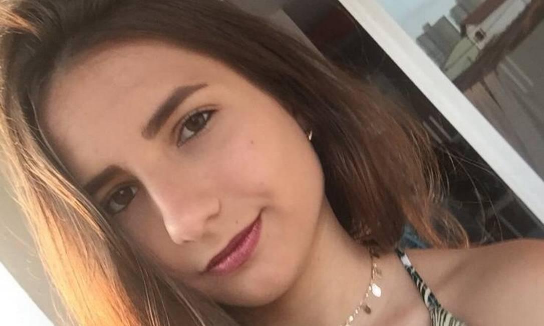 A estudante Patricia Specimille, de 18 anos, que sonhou com o tema da redação do Enem três dias antes da prova Foto: Acervo pessoal
