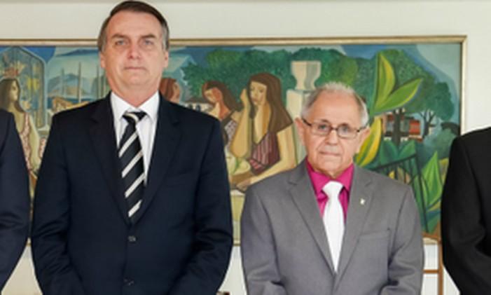 O presidente Jair Bolsonaro ao lado do general Maynard Marques de Santa Rosa Foto: Presidência da República