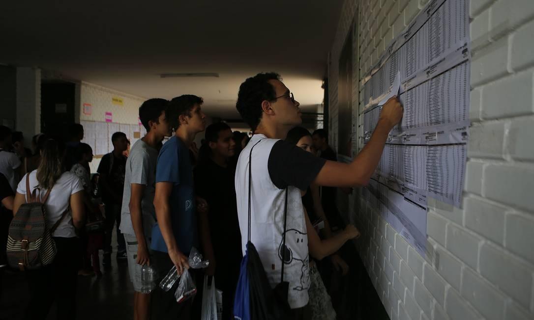 Aplicação do Enem no Colégio GISNO, na Asa Norte, Brasília. Foto: Jorge William / Agência O Globo