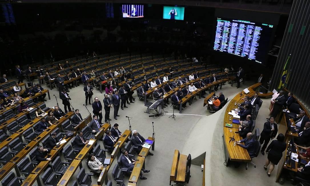 Plenário da Câmara: pacote de reformas será anunciado nesta terça. Foto: Jorge William / Agência O Globo