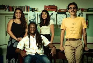 Professores da Fundação Roberto Marinho analisam a série Segunda Chamada, da Globo, e contam experiências reais vividas em sala de aula Foto: Roberto Moreyra / Agência O Globo