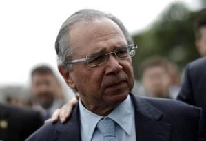 O ministro Paulo Guedes chega ao Congresso para anunciar o pacote de medidas econômicas Foto: Reuters