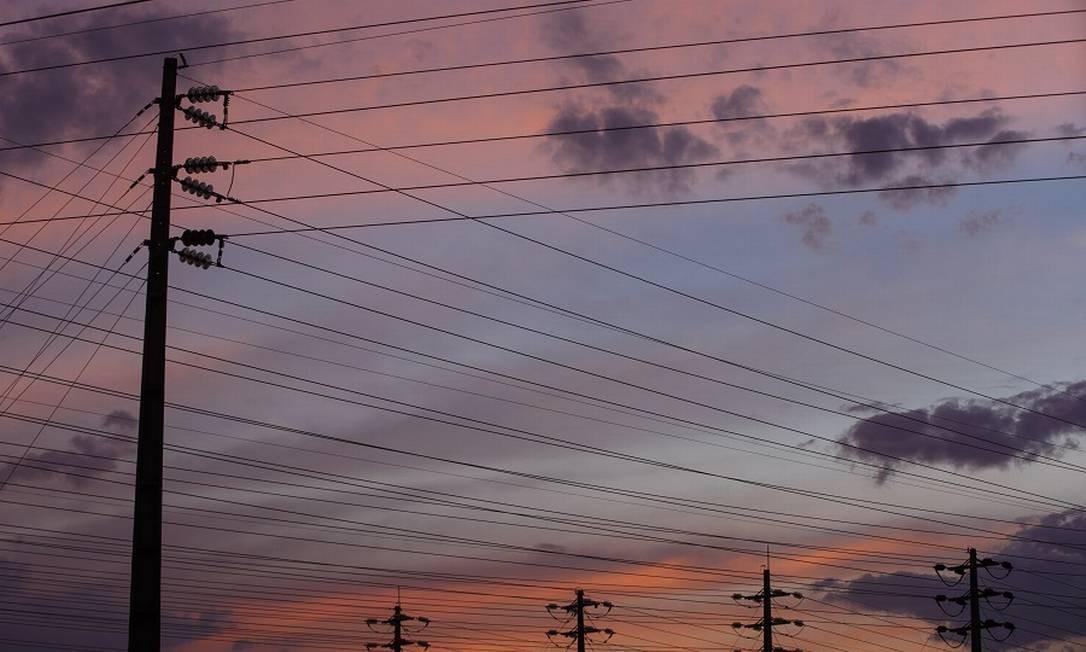 Torres de transmissão de energia em Brasilia. Foto: Daniel Marenco / Agência O Globo