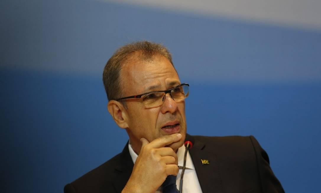 O ministro de Minas e Energia, Bento Albuquerque, participa do leilão do pré-sal Foto: Pablo Jacob - Agência O Globo