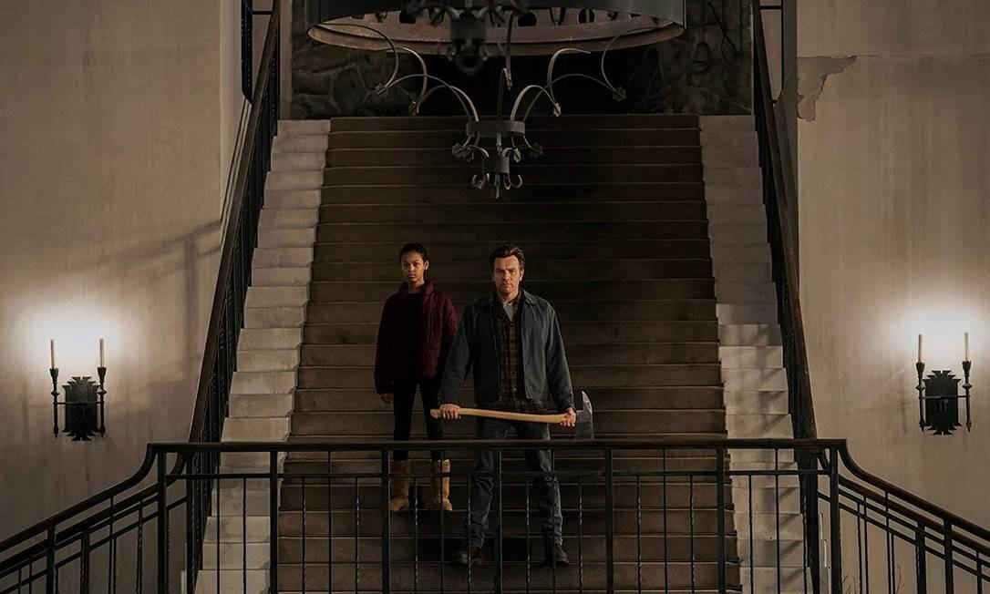 """RS - Kyliegh Curran e Ewan McGregor em cena do filme """"Doutor Sono"""" Foto: Divulgação"""