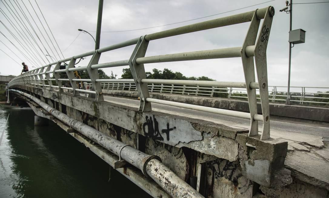 Relatório aponta que Ponte Velha, na Barra, precisa ser interditada pelo 'estado precário' Foto: Ana Branco / Agência O Globo