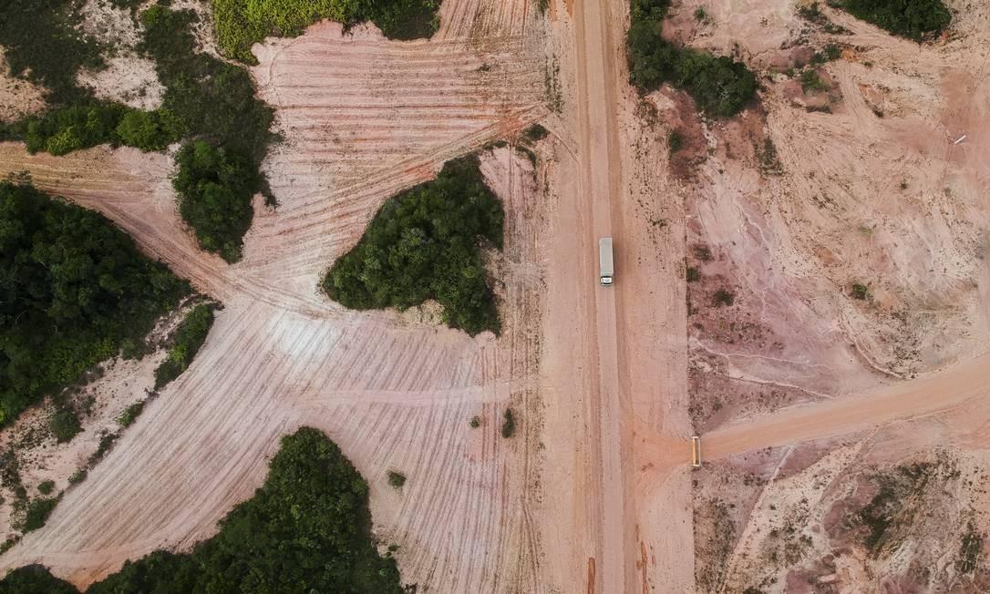 BR-319, que liga Porto Velho a Manaus, desmatamento a beira da estrada Foto: Gabriel Monteiro/26.08.2019 / Agência O Globo