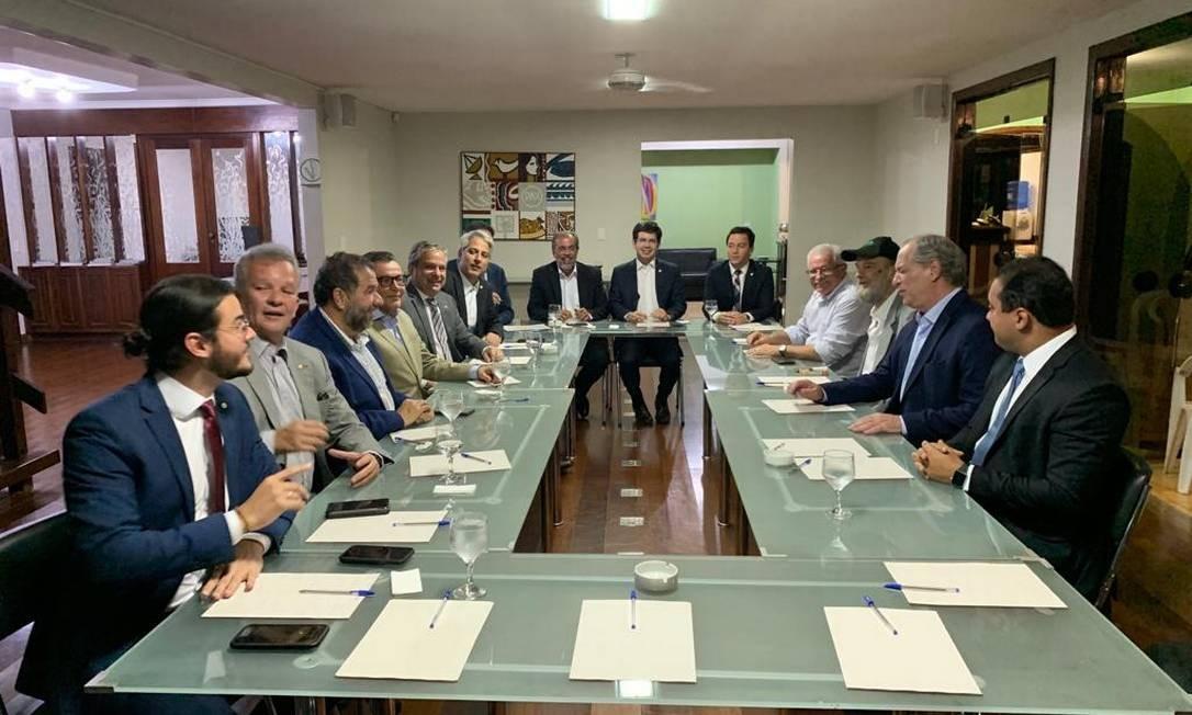 Reunião dos partidos Foto: Divulgação