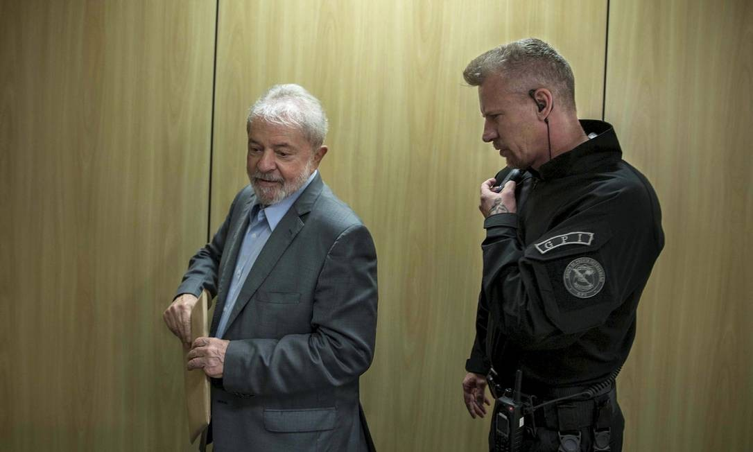 O ex-presidente Lula está preso na sede da Polícia Federal em Curitiba (PR) 26/04/2019 Foto: Marlene Bergamo/Folhapress