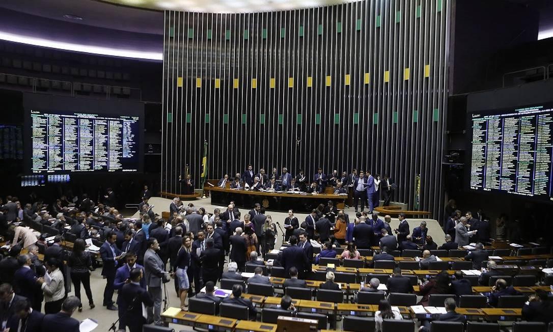 Câmara: votação da PEC enfrentará dificuldades. Foto: Jorge William / Agência O Globo