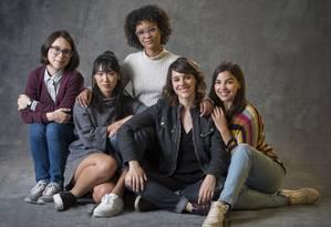 'As Five', nova série do Globoplay derivada de Malhação. A partir da esquerda: Benê (Daphne Bozaski), Tina (Ana Hikari), Ellen (Heslaine Vieira), Lica (Manoela Aliperti) e Keyla (Gabi Medvdoski) Foto: Estevam Avellar/Globo