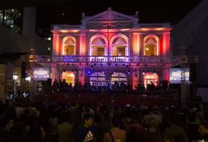 """O """"Natal na rua"""" acontece na frente do Teatro Municipal Foto: Divulgação/Leo Zulluh"""