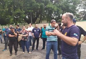 Os agentes decidiram suspender a greve durante assembleia Foto: Sind-Degase / Divulgação