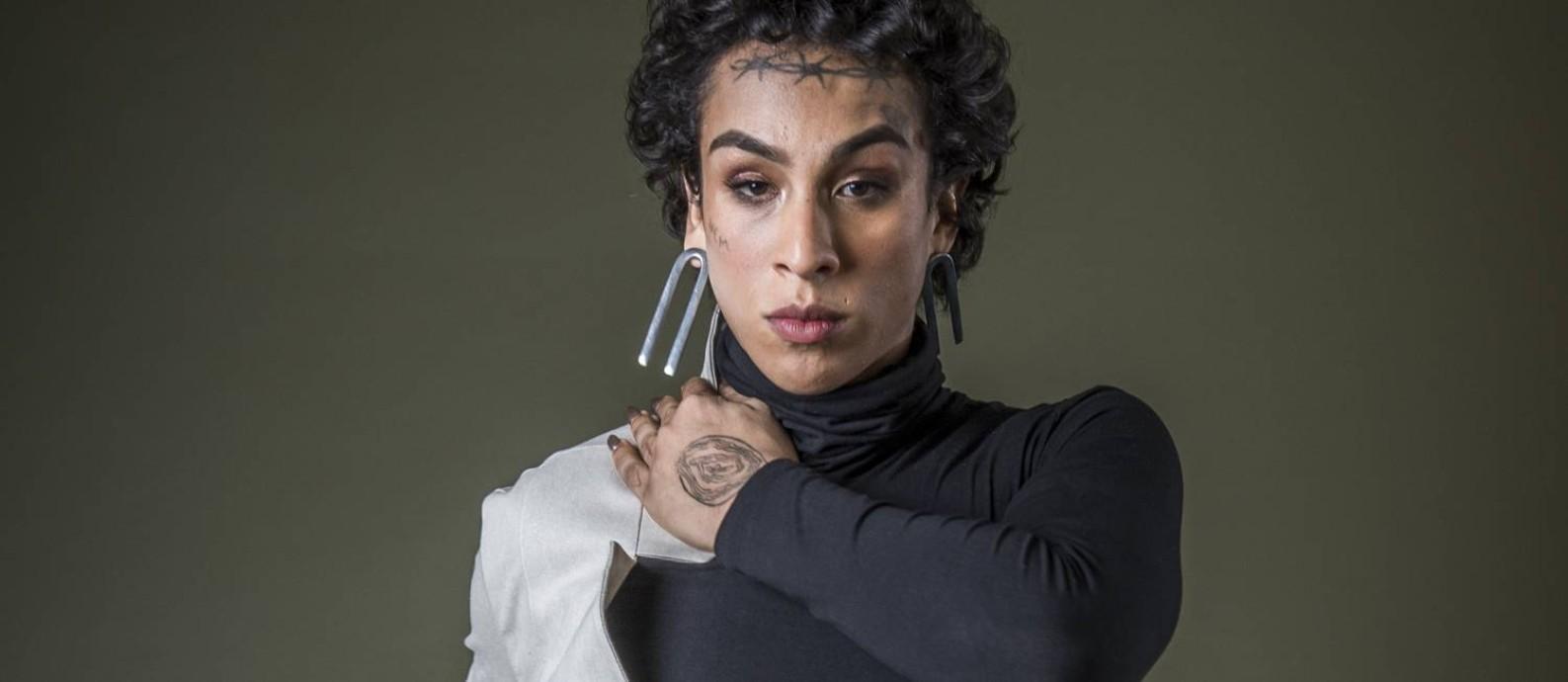 A rapper e atriz Linn da Quebrada, que vive Natasha em 'Segunda chamada' Foto: Globo/ Fábio Rocha