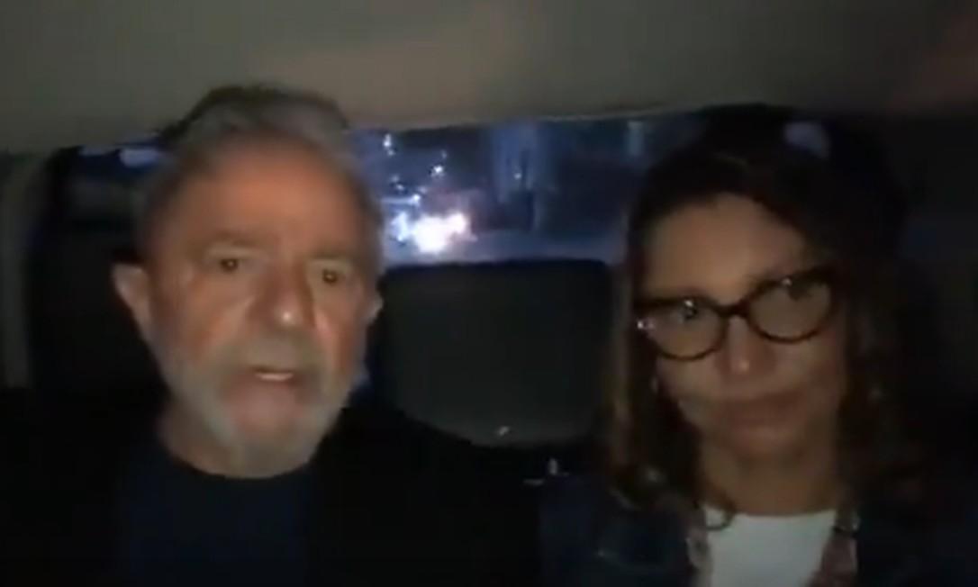 Luiz Inácio Lula da Silva e a namorada, Rosangela da Silva Foto: Reprodução