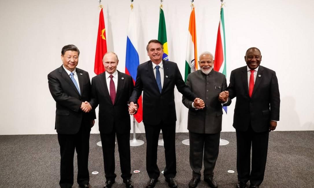 Bolsonaro com Xi, Putin, Modi e Ramaphosa em Osaka, Japão: Cúpula do Brics será em Brasília Foto: Presidência da República/28-6-2019