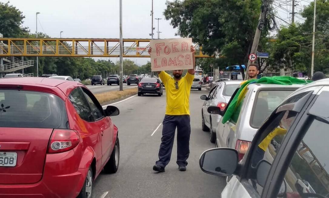 Pegueno grupo pede fim do pedágio na Linha Amarela Foto: Custódio Coimbra