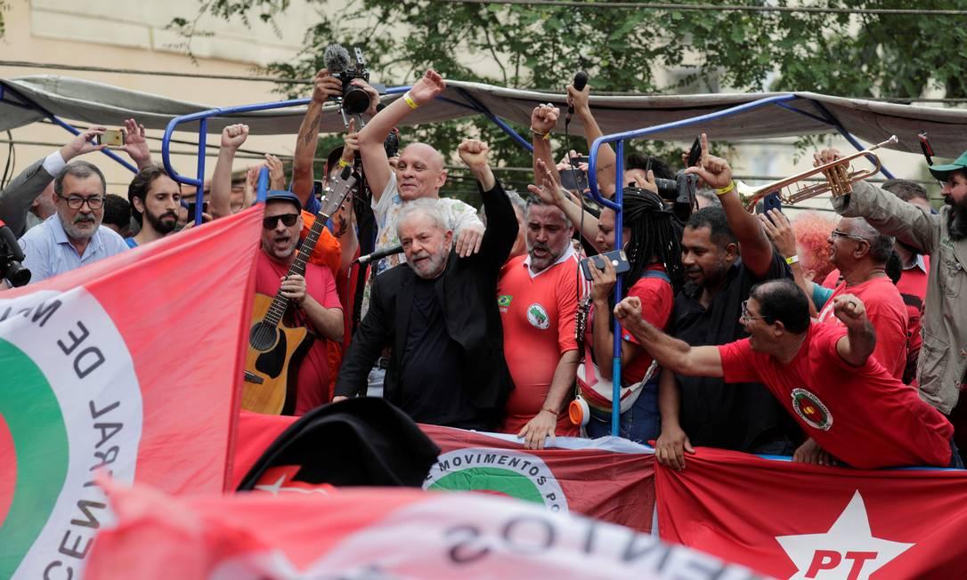 Lula discursa no Sindicato dos Metalúrgicos em São Bernardo Foto: NACHO DOCE / REUTERS