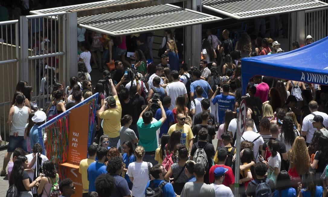 Estudantes no primeiro dia de provas do ENEM na Faculdade Uninove no Bairro Barra Funda Foto: Edilson Dantas / Agência O Globo