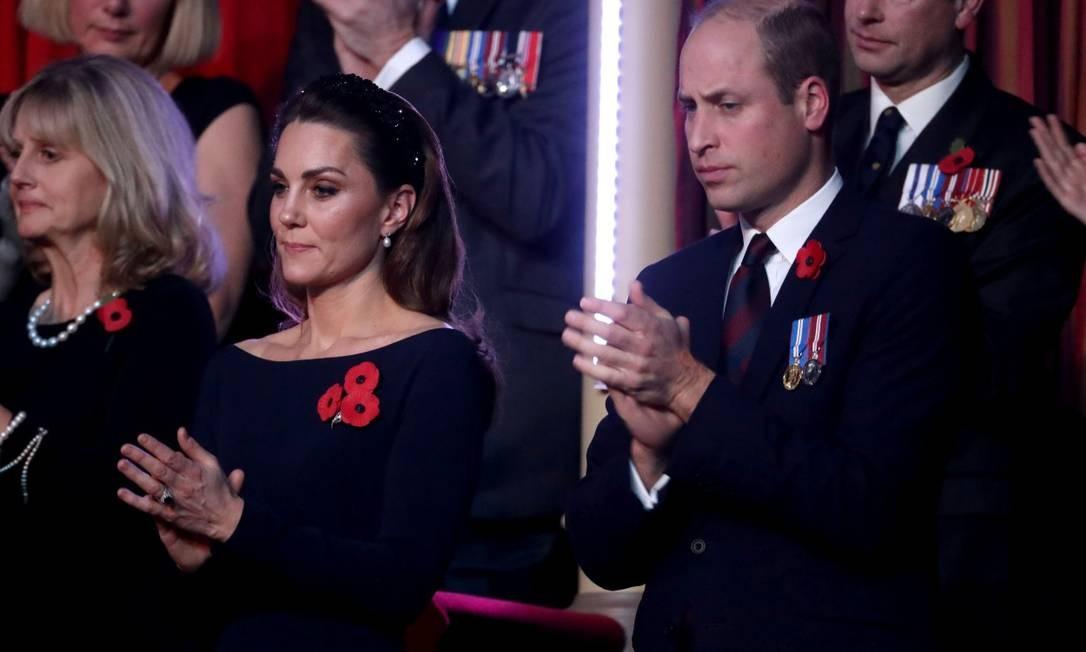 Na noite anterior, toda a família esteve no Royal Albert Hall também para as festividades de Remembrance Foto: POOL / REUTERS