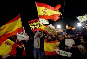 Integrantes do partido de extrema direita Vox celebram melhor resultado da História da sigla Foto: OSCAR DEL POZO / AFP