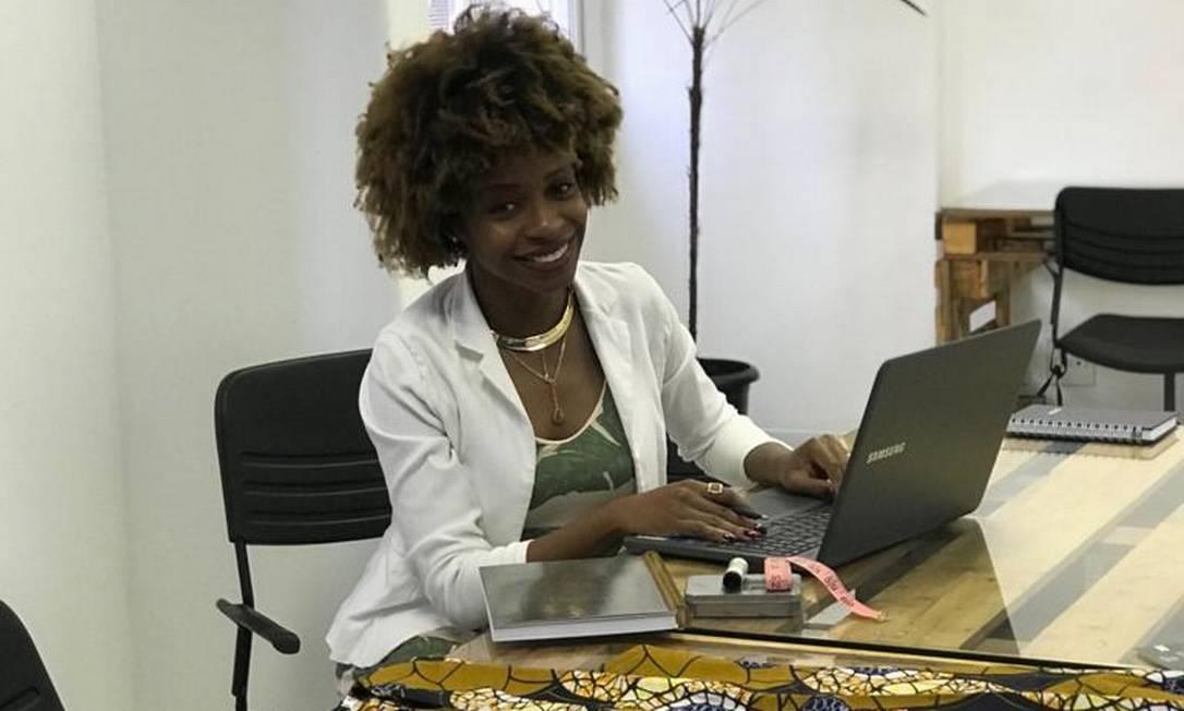 Mírian dos Anjos, fundadora da Kinah Boutique Afro, planeja os passos que a empresa dará em 2020 Foto: Divulgação