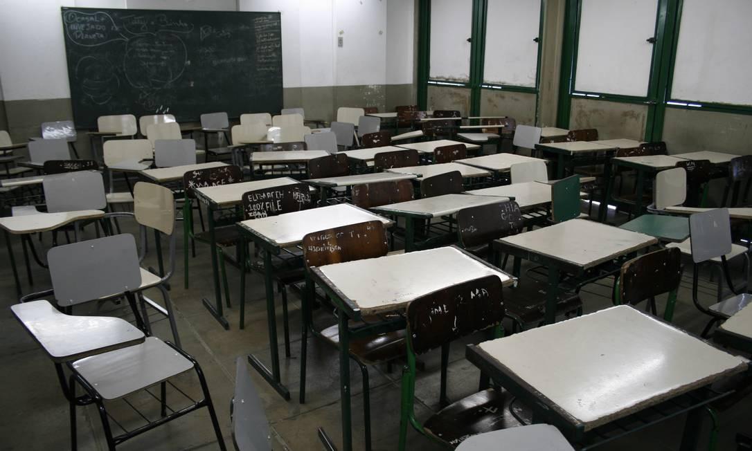 Falta de professores em São João de Meriti; o Brasil tem 2 milhões de jovens fora das salas de aula Foto: Rafael Andrade