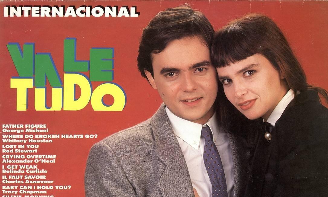 Cássio Gabus Mendes e Lídia Brondi na capa de disco de 'Vale tudo' Foto: Divulgação