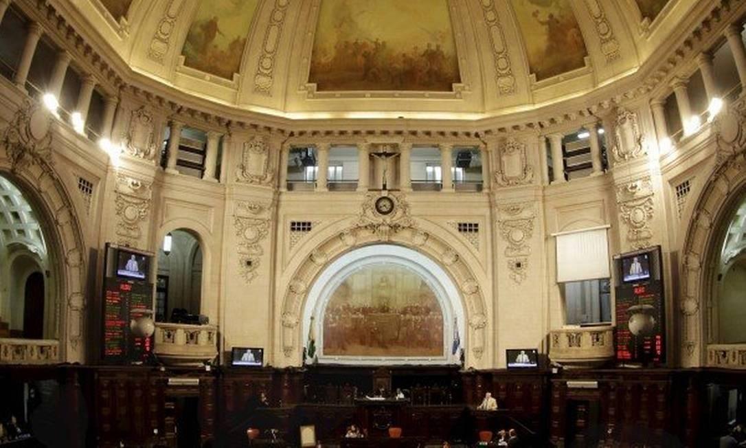 Deputados discordam de Witzel e propõem calamidade financeira só até 2020