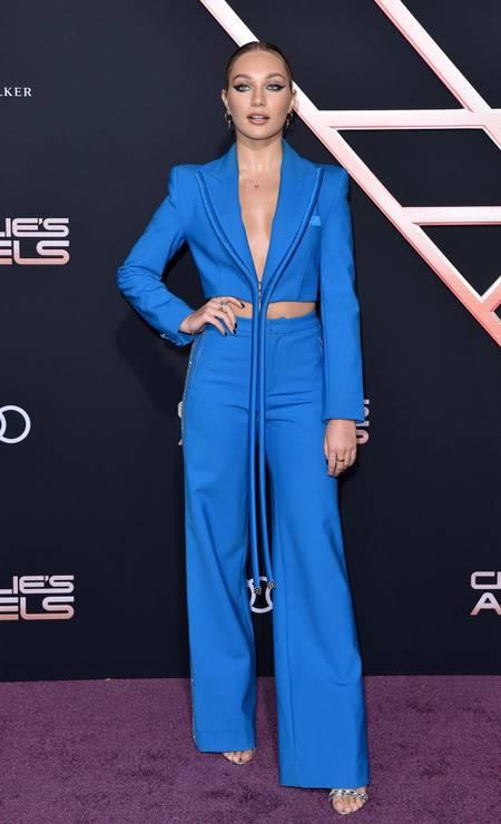 A modelo e bailarina Maddie Ziegler apareceu com um visual todo azul Foto: Axelle/Bauer-Griffin / FilmMagic