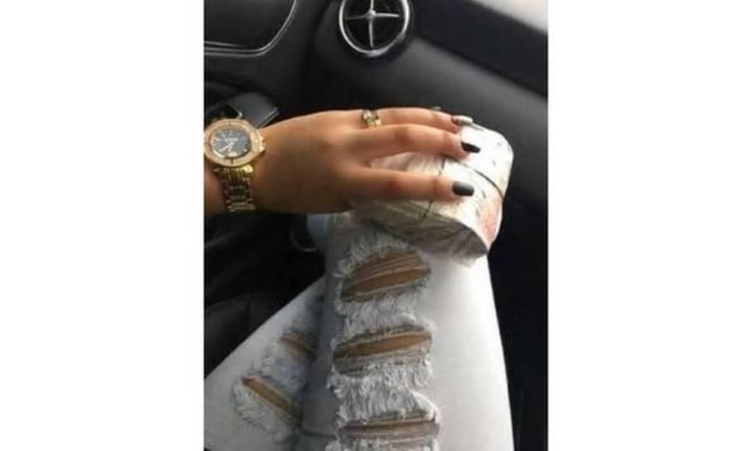 Brasileiros ostentavam joias, relógios de ouro e dinheiro em redes sociais e grupos no WhatsApp Foto: LONDON METROPOLITAN POLICE / LONDON METROPOLITAN POLICE
