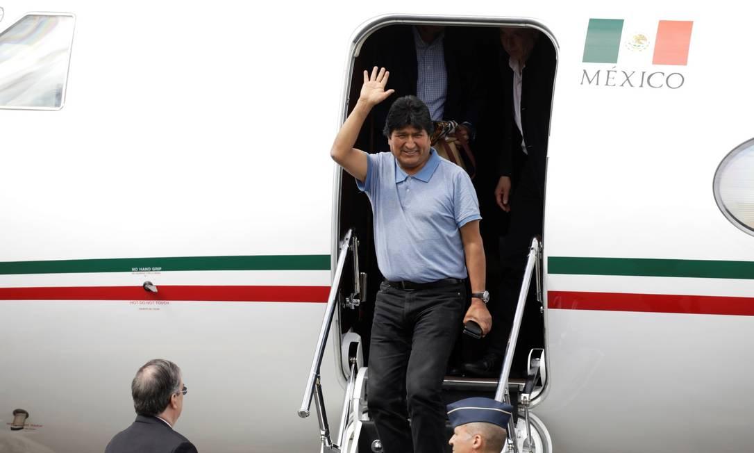 Presidente Evo Morales desembarca na Cidade do México, após receber asilo Foto: LUIS CORTES / REUTERS