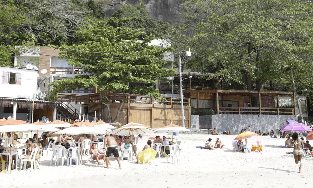 Irregular. Empreendimento foi erguido na Praia de Itaipu mesmo após a obra ter sido embargada pela prefeitura Foto: Agência O Globo / Fábio Guimarães
