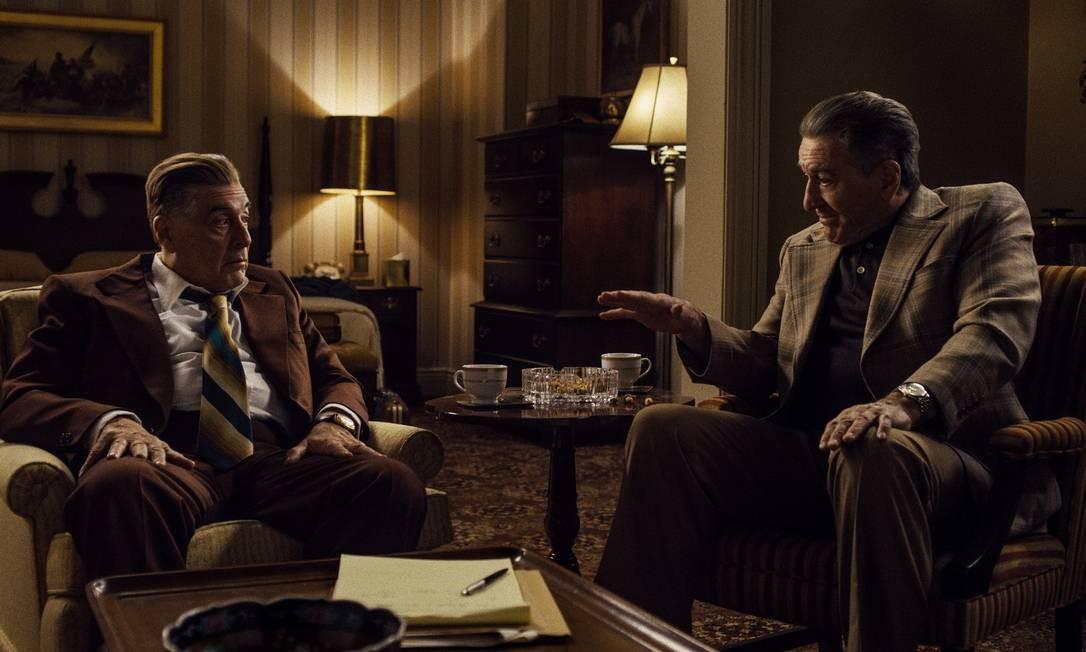 Jimmy Hoffa (Al Pacino) e Frank Sheeran (Robert De Niro) em 'O irlandês' Foto: Divulgação/Netflix