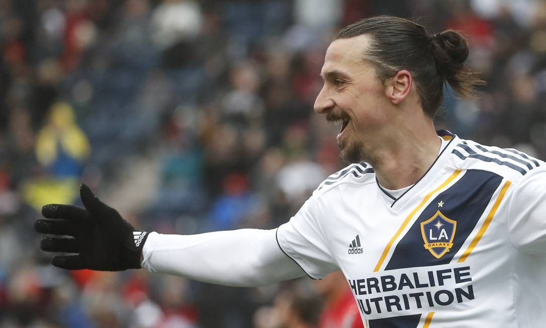 Ibrahimovic jogou duas temporadas pelo Los Angeles Galaxy Foto: KAMIL KRZACZYNSKI / AFP