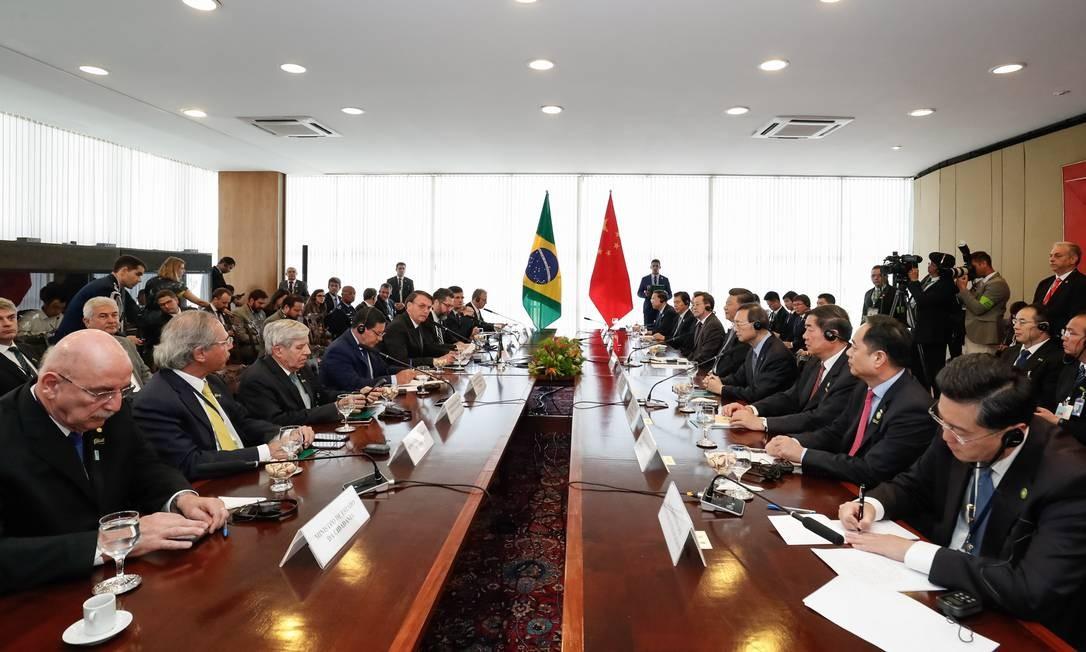 Reunião de Jair Bolsonaro e integrantes do governo com do presidente da China, Xi Jinping. Bolsonaro e Xi assinaram nove atos , entre acordos e memorandos de intenções Foto: Alan Santos / Presidência da República