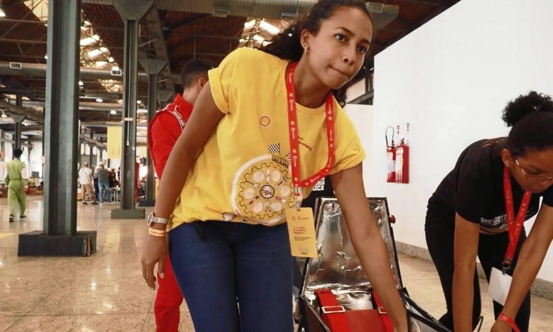 Sthephany Souza, estudante de Engenharia Mecânica do Instituto Federal do Maranhão, na Shell Eco-marathon Brasil Foto: G.LAB