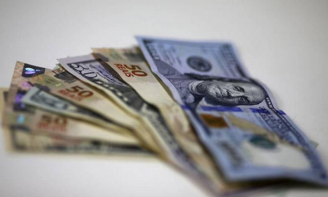 Dólar é pressionado por dados da indústria da China Foto: Reuters
