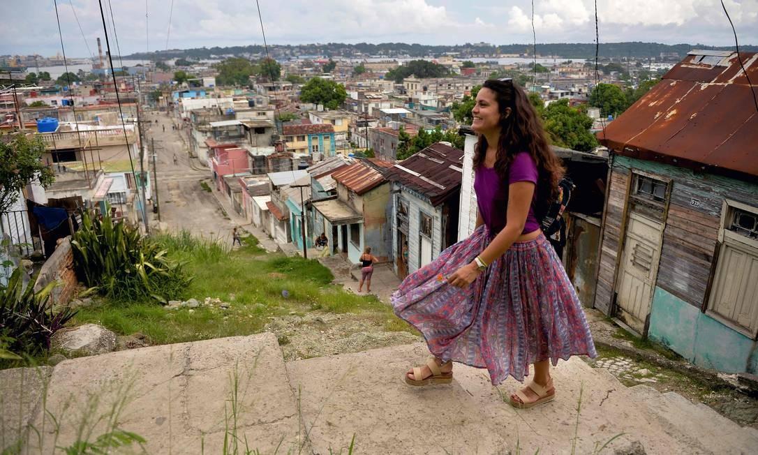 Beatriz Estevez, 29, é como Yosbel, prefere trabalhar por conta própria. Ela vive num antigo assentamento aborígine chamado Guaicanamar, onde foi constituído o bairro-município de Regla. Fica na costa leste da Baía de Havana Foto: Yamil Lage / AFP