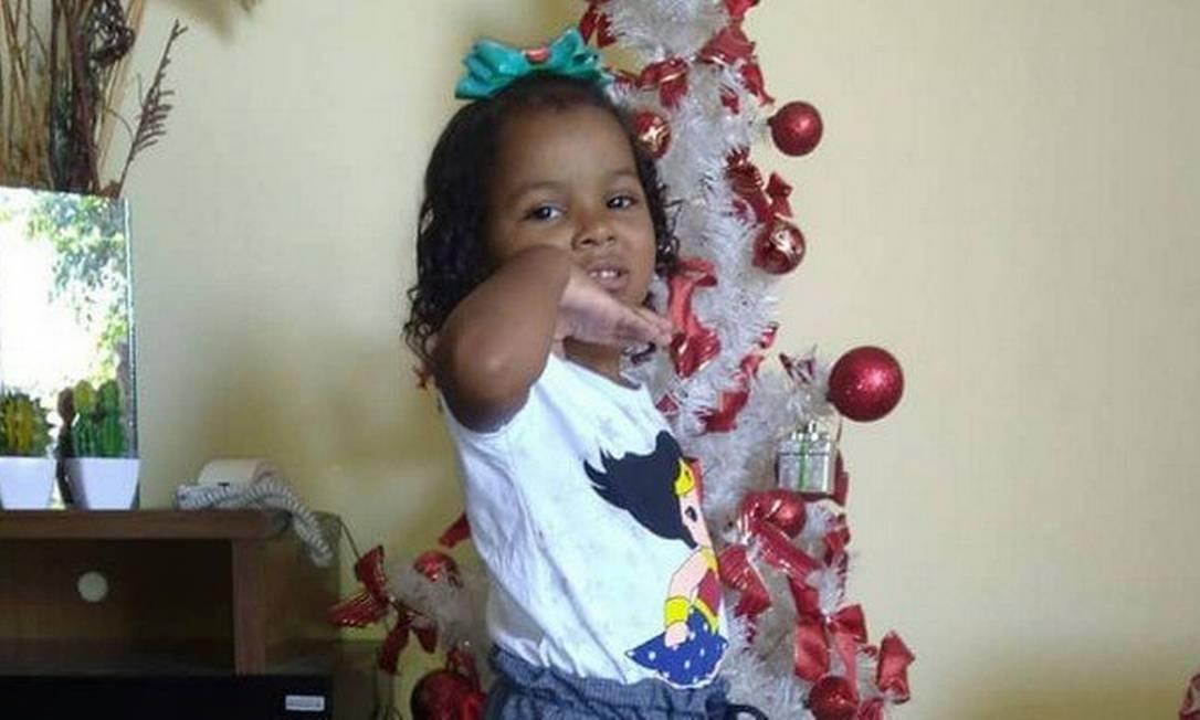 A menina Ketellen, de 5 anos, foi vítima de bala perdida Foto: Acervo pessoal