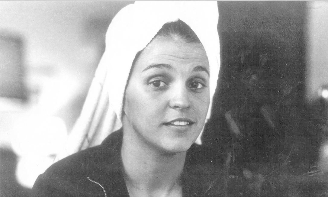 Com toalha na cabeça posa para a capa do Pasquim, em 1969. Sem papas na língua, a atriz se revelou uma mulher independente. Os anos seguintes foram de chumbo, com patrulha ideológica e dificuldades profissionais Foto: Paulo Garcez / Arquivo