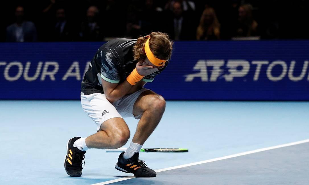 A emoção de Stefanos Tsitsipas com o título do ATP Finals Foto: PETER NICHOLLS / REUTERS