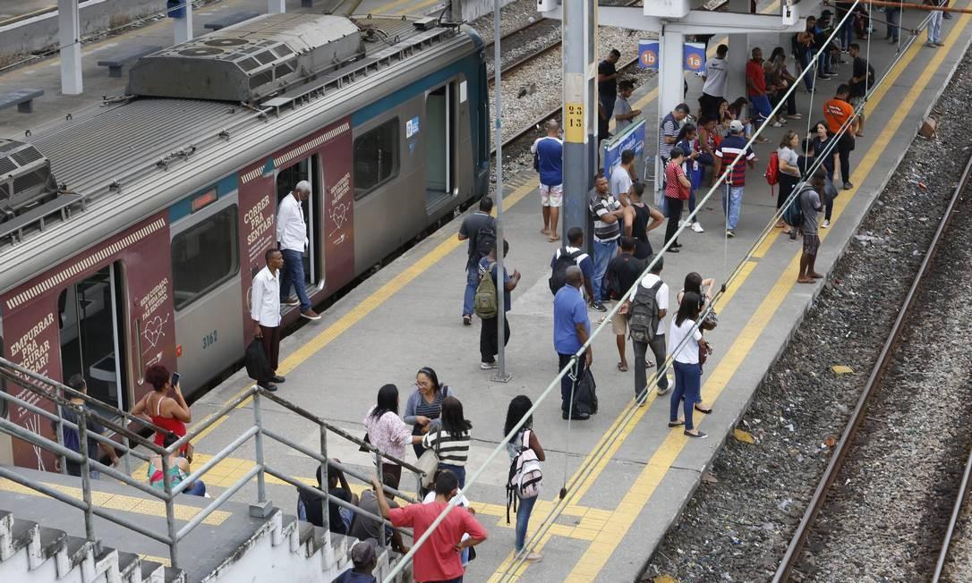 Supervia vai tirar 40 trens de operação por problemas na caixa de tração Foto: Fábio Guimarães / Agência O Globo