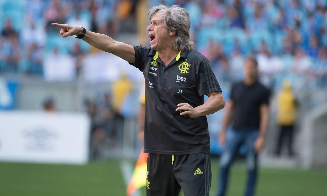 O técnico do Flamengo, Jorge Jesus, na vitória sobre o Grêmio, pelo Brasileiro, em Porto Alegre Foto: Alexandre Vidal/Flamengo